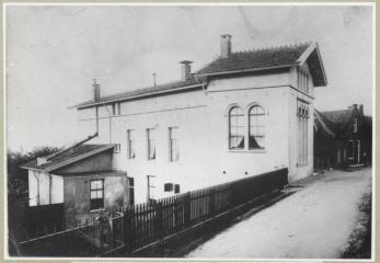 18052