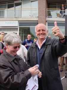 0002 Arie en Wil Eierengooien mei 2002