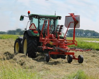 Tractor 22 (Small)