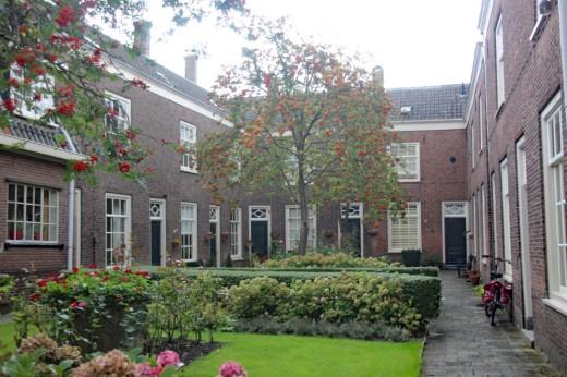Hofje Dordrecht (Middel)